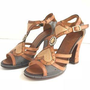 Chie Mihara Eu Sz 37 Leather Peep Toe T strap Heel